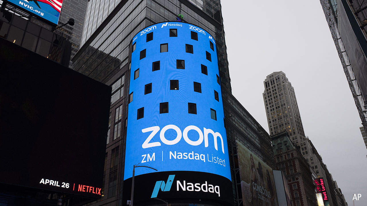 Zoom nasdaq sign 1280