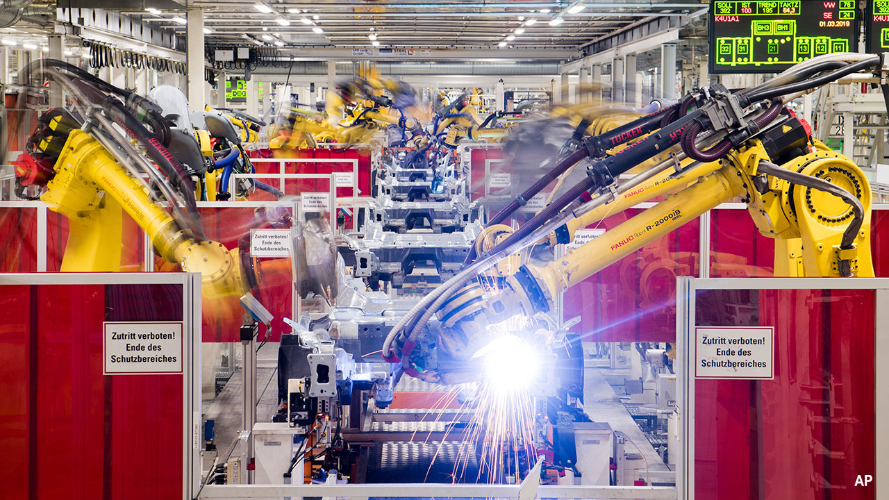 Fanuc robots in a VW factory